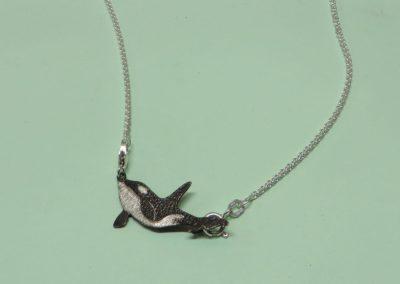 Orca Anhänger in Silber mit Kettchen