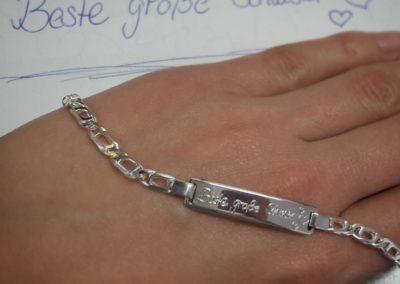 Schildband in Silber mit Gravur