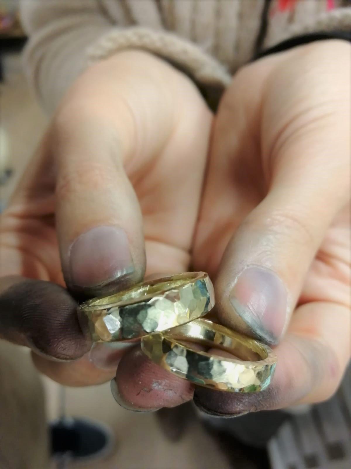 6_Trauringe-Weißgold-sanft-matt-Brillant-poliert