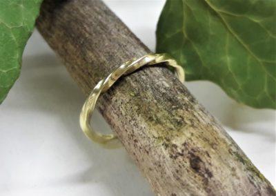 kordelring aus gold