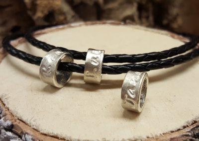 namenskette für männer in silber lederband