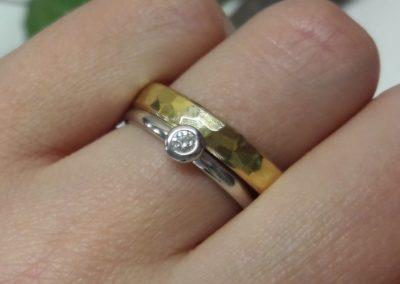 Solitär-Ring mit Diamant