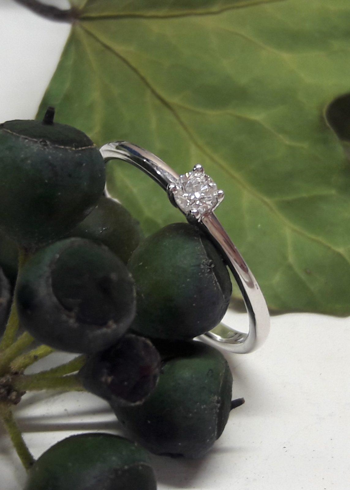 10_Verlobungsring-Silber-Brillant-geschmiedet-natur